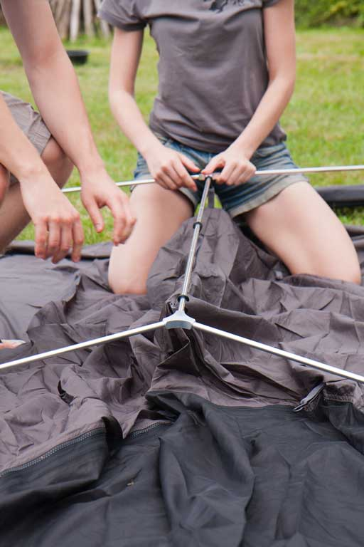 Connecting tent poles